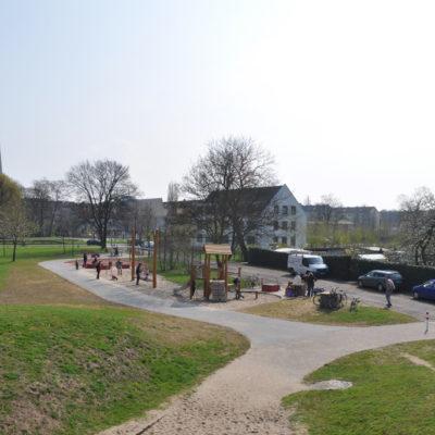 Frühjahrsputz der SPD Stadtfeld am 14.04.2012 auf dem Patenspielplatz am Europaring