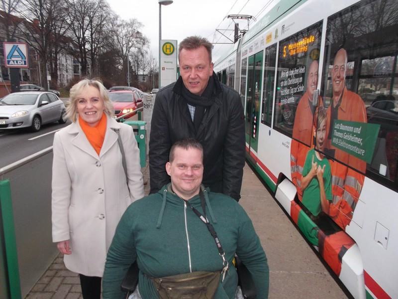 Burkhard Lischka mit Andi Poppe (AG Menschen mit Behinderungen) und Konny Keune (SPD-Ortsverein Magdeburg-Stadtfeld)