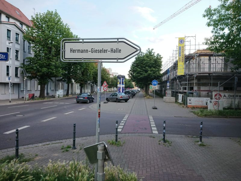 Der Weg zur Hermann-Gieseler-Halle